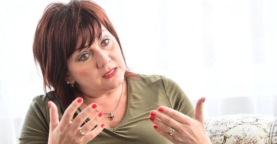 Ministryně financí Alena Schillerová předložila rozpočet na rok 2019. Má schodek 50 miliard korun.