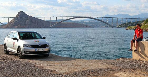 Cesta do Chorvatska bude letos o něco dražší a komplikovanější.