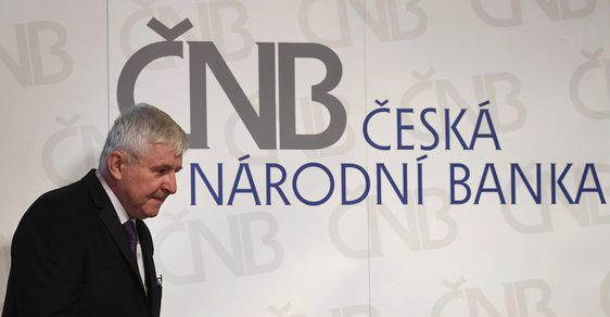 Guvernér České národní banky Jiří Rusnok na úterní tiskové konferenci