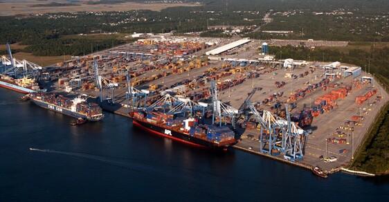 Terminál v přístavu Charleston - ilustrační snímek.