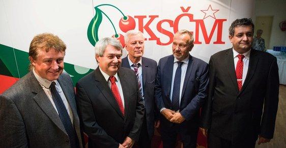 Komunističtí politici chtějí regulovat češtinu. Opět.