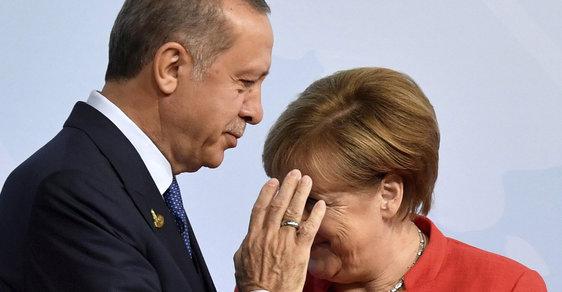 Angela Merkelová odsoudila tureckou intervenci v Sýrii. Turecko toho okamžitě nechalo a stáhlo vojska