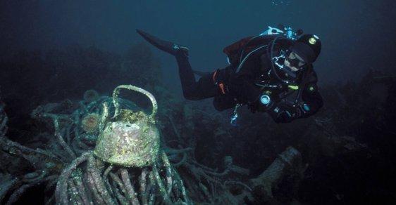 Jindřich Böhm: Potápím se k lodním vrakům, které od jejich ztroskotání nikdo nespatřil