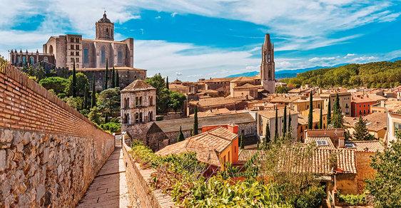Za krásami Katalánska: Po pašeráckých stezkách, na mystický Montserrat a do historické Girony