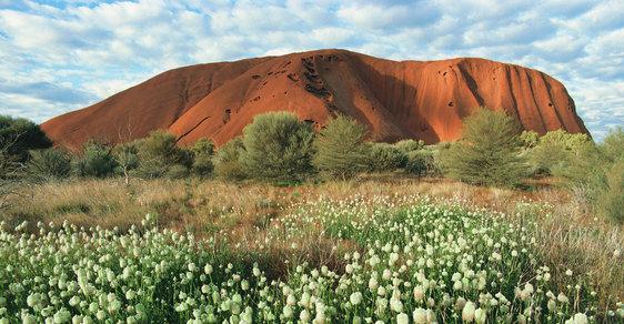 Na cestě po nejmenším kontinentu světa: Slavný monolit Uluru