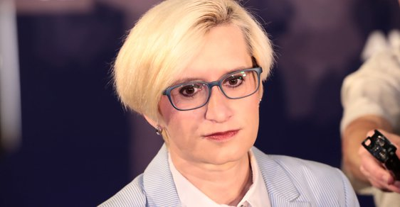 Ruský dezinformační web Sputnik vyhlásil anketu o nejkrásnější českou poslankyni
