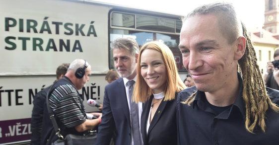 Šéf Pirátů Ivan Bartoš s manželkou Lydií Frankou Bartošovou