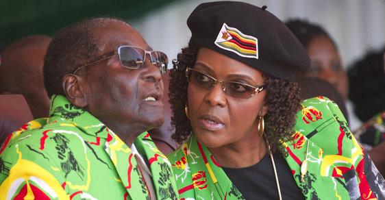 Robert Mugabe se svou ženou.