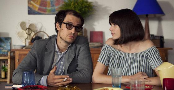 Jubilejní ročník Festivalu francouzského filmu začal s plnou parádou. Skvělým snímkem oscarového režiséra o Godardovi
