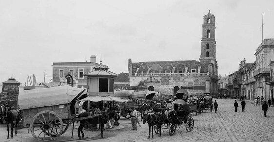 Havana, jak ji neznáte: Bazary, drožky a elegantní promenády z kubánské koloniální éry