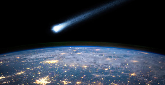 Asteroid v letu
