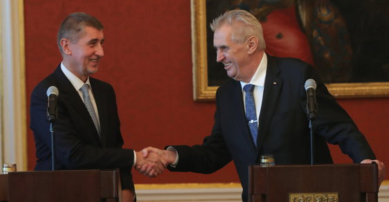 Jmenování Babišovy menšinové vlády: Premiér s prezidentem Zemanem
