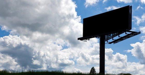 Poctivost na nás útočí z billboardů, z televizních obrazovek, ale třeba i z obalů potravin.