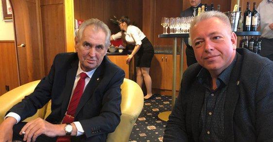 Milan Chovanec proslul dnes již legendární povolební tajnou schůzkou v Lánech s prezidentem Milošem Zemanem. Toho později podpořil i v prezidentských volbách.