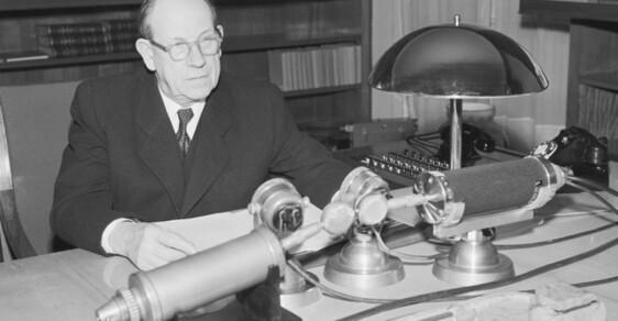 Deset mužů z Hradu: Antonín Zápotocký aneb Komunistický teror pod slupkou přitroublého staříka