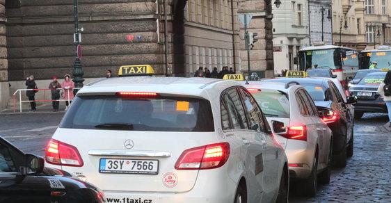 Protest taxikářů proti službě Uber