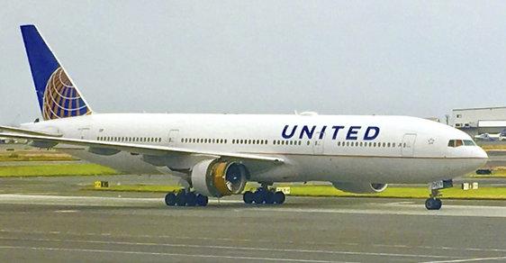 Na palubě letadla United Airlines opět uhynulo zvíře