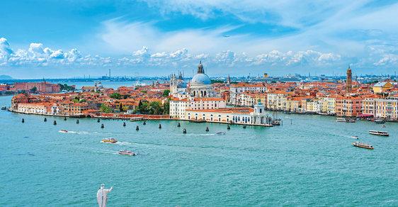 Když žít, tak naplno. To znamená v Benátkách