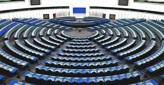 Lidovci, socialisté, reformisté. Jakou sílu mají v Evropském parlamentu eurofrakce a jak se liší od eurostran
