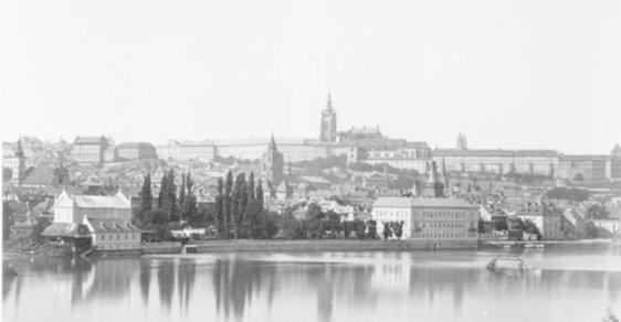 Praha za Rakouska-Uherska: Jedinečné staré snímky zachycují její zašlou podmanivou atmosféru