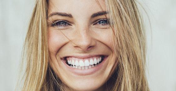 Úsměv dělá podle izraelských vědců náš obličej starším