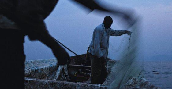 Malárie, piráti a malé výdělky aneb Těžký život rybářů na jezeře Kivu