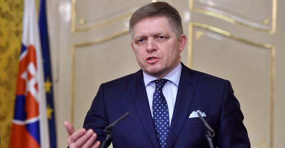 Slovenský premiér Robert Fico podal demisi vlády
