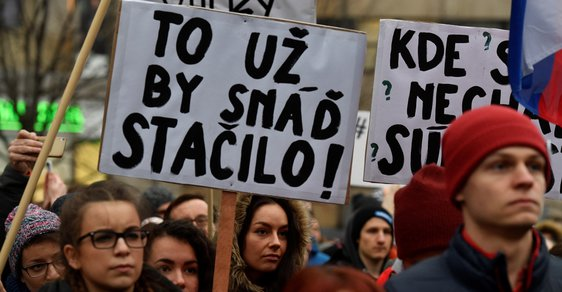 Slovenská policie vyslýchala českou kolegyni Jána Kuciaka několik hodin. Zabavili jí mobil, prolamují heslo