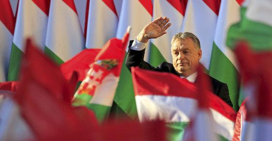 Viktor Orbán se chystá na své třetí volební vítězství v řadě