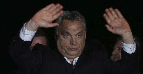 Premiér Viktor Orbán. FiDeSz slaví třetí volební vítězství s ústavní většinou za sebou