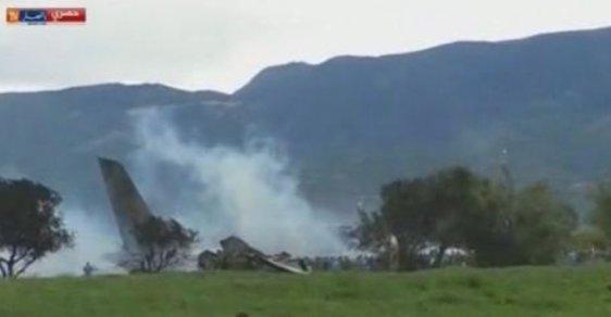 Při pádu vojenského letadla zemřelo 257 lidí