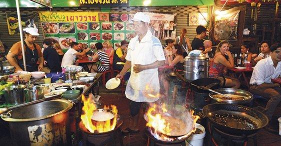 Tisíc chutí Bangkoku: Thajská metropole vás ohromí širokou nabídkou pouličních delikates