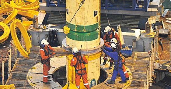 Prvky opláštění vrtné soustavy z moderních materiálů jsou téměř 30 metrů dlouhé