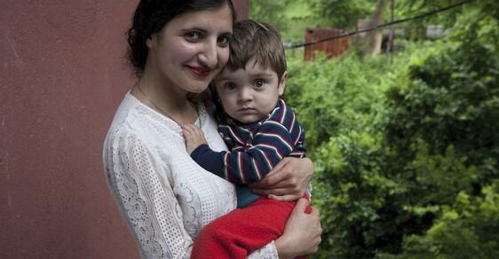 """""""Ukradli mě ve třinácti. Porodila jsem v patnácti."""" Portréty kavkazských žen, jejichž život začal únosem"""