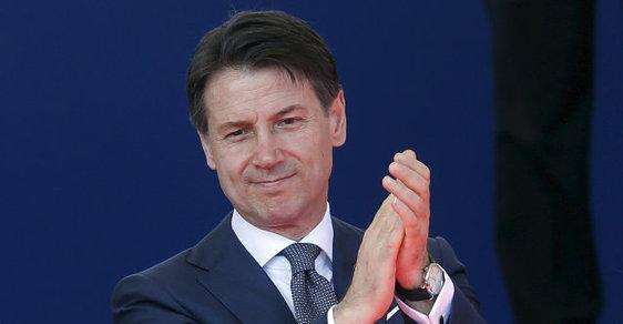 Odcházející italský premiér Giuseppe Conte.
