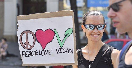 Demonstrace veganů na Václavském náměstí v Praze.