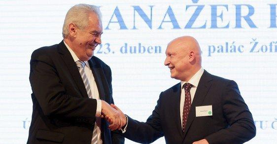 Prezident Miloš Zemana a šéf ČEZ Daniel Beneš v roce 2014 na soutěži Manažer roku