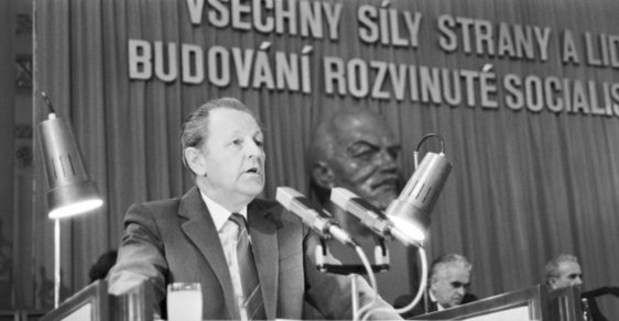 Miloš Jakeš: Zasedání Národní fronty
