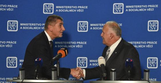 Premiér Andrej Babiš předává ministerstvo práce a sociálních věcí novému ministrovi Petru Krčálovi