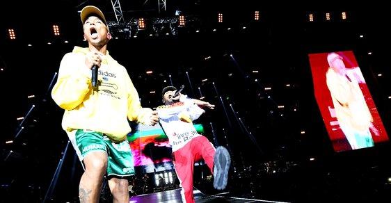378db164123 Pharrell Williams zazářil v Ostravě. Podívejte se na první den festivalu  Colours of Ostrava