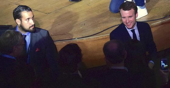 Francouzský prezident Emmanuel Macron a jeho bezpečnostní exporadce Alexandre Benalla