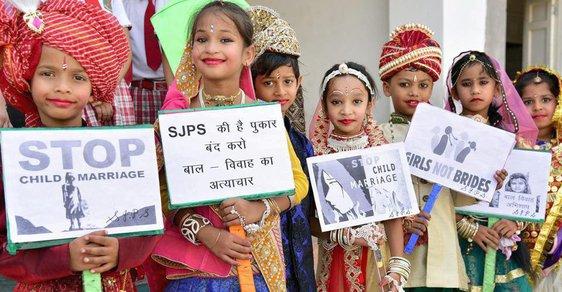 Indické děti protestují proti vdávání nezletilých dívek
