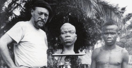 Sochař František Vladimír Foit odjel se svou ženou do Afriky původně na devět měsíců. Inspirací mu byli příslušníci tamních kmenů, jejichž plastiky modeloval. Foitovi nakonec v Africe zůstali dvacet let.
