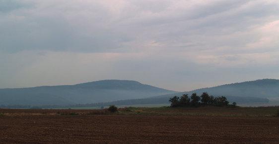 Plešivec: Pravěké hradiště na stejnojmenném vrchu je místem obětí a legend