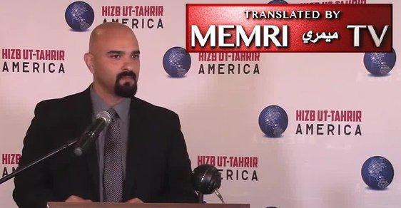 Haitham Ibn Thbait, jeden z představitelů islamistického hnutí Hizb ut-Tahrir (Strana osvobození) v USA na konferenci o znovusjednocení všech muslimů do jednoho státního celku – chalífátu, konané v městě Palos Hills v americkém státě Illinois