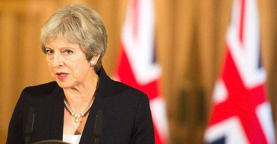 Theresa Mayová se po návratu ze Salzburgu pokusila zablafovat. Místo aby sebrala všechny síly a pokusila se konzervativce sjednotit apelem na vážnost situace, vyzvala v nebývale ostrém projevu Evropskou unii, aby nyní přednesla návrh na ustavení nových vztahů ona.