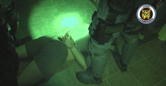Zatčení bývalého policisty.
