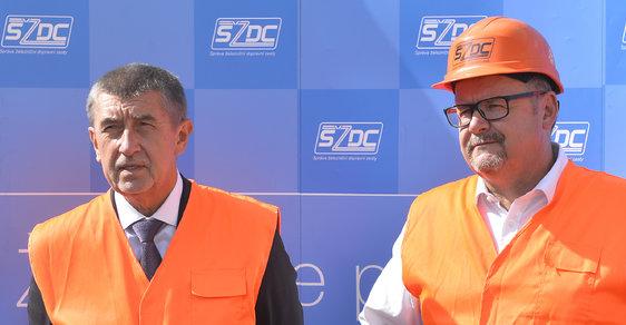 Premiér Andrej Babiš s ministrem dopravy Danem Ťokem