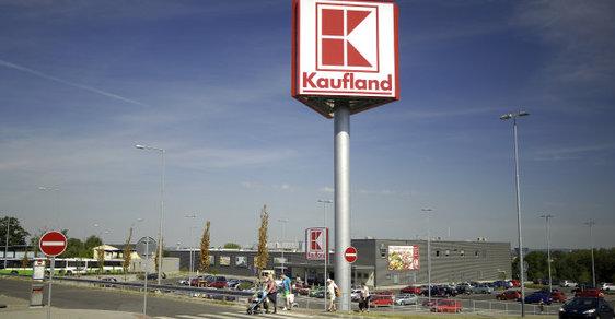 Kaufland v Orlové je zavřený. Hasiči hledají neidentifikovaného hada