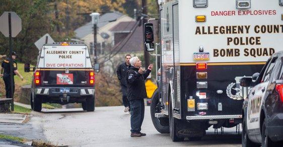 V americkém Pittsburghu střílel muž v synagoze přesně před půl rokem.